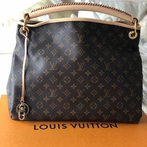 Brand new Louis Vuitton Artsy MM